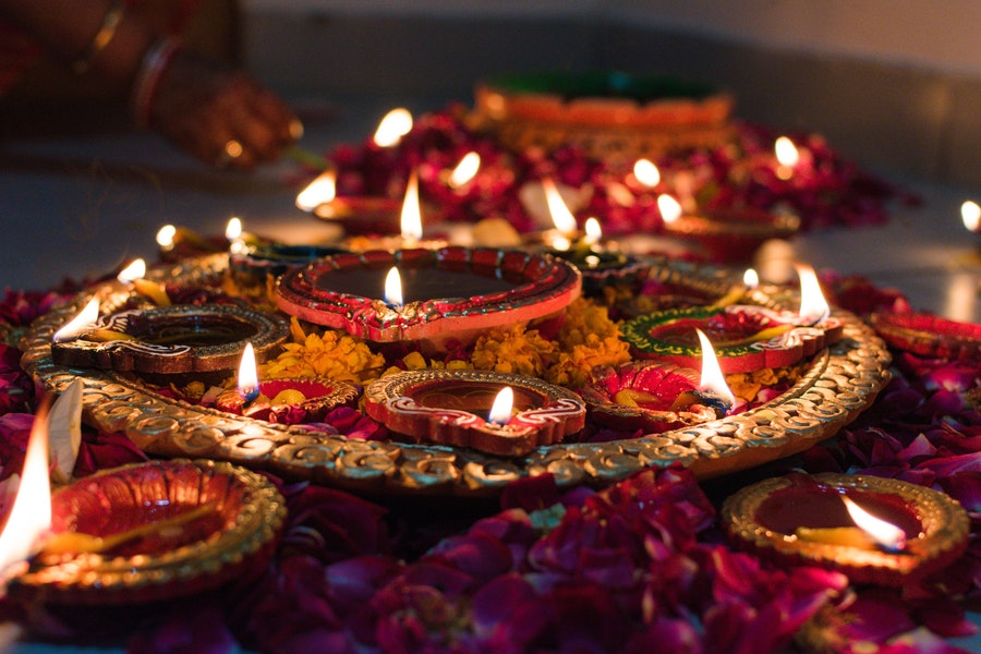11 Best Diwali Gift Ideas That Will Add Spark to Your Relationship