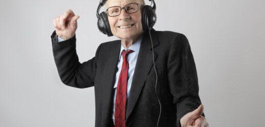 Best Wireless TV Headphones for Seniors